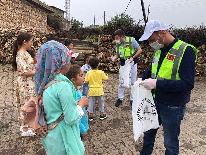 Midyat Belediyesi evde kalan çocuklara bayram şekeri gönderdi galerisi resim 1
