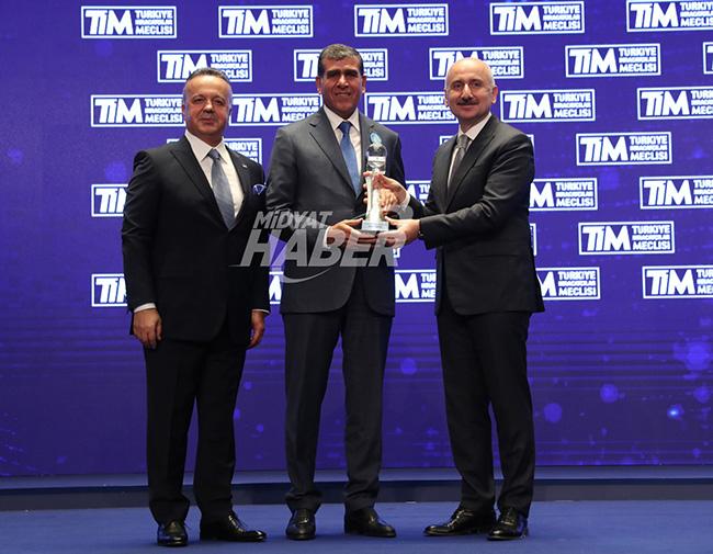 turkiye'nin-ihracat-sampiyonu-altunkaya'yi-erdogan-kutladi-(14).jpeg